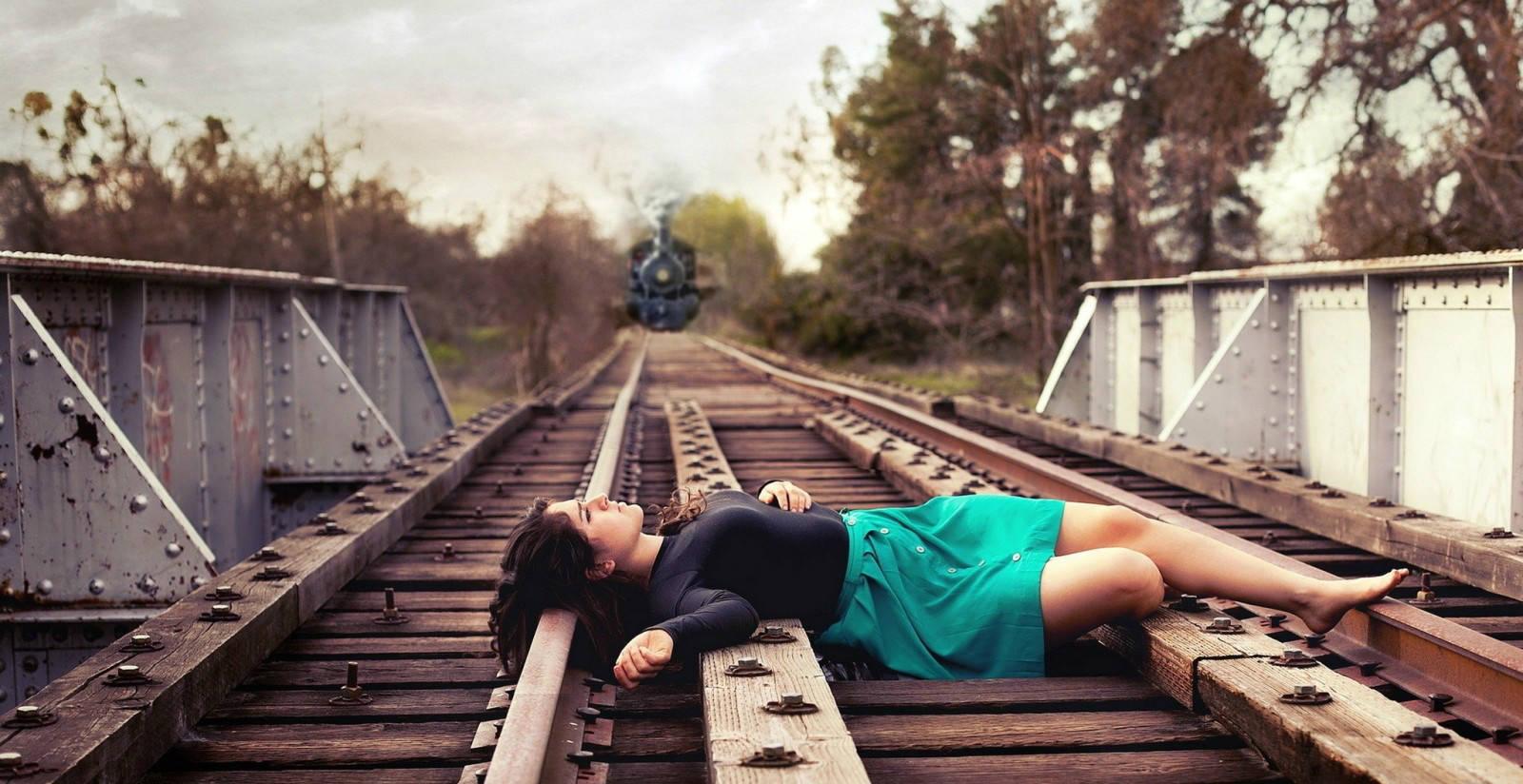 suicidio vías tren